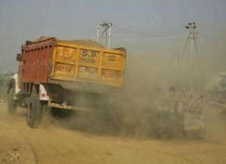 Indian Truck Polluting